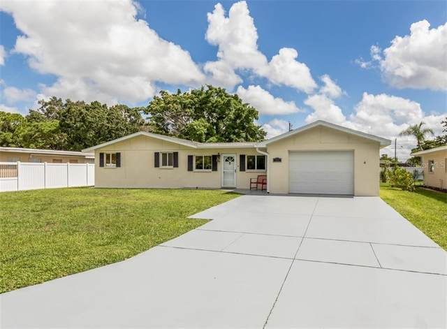 725 Guild Drive, Venice, FL 34285 (MLS #A4476895) :: Alpha Equity Team