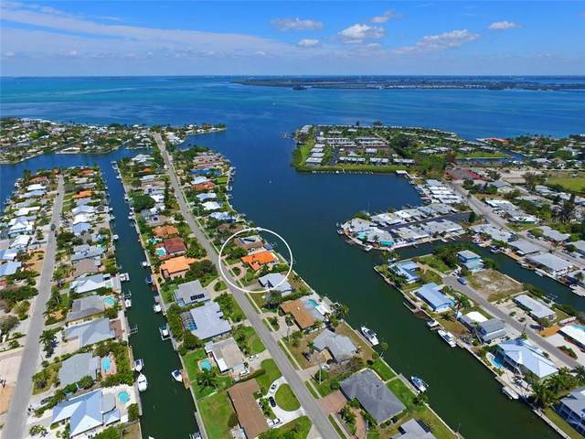 517 Key Royale Drive, Holmes Beach, FL 34217 (MLS #A4478098) :: McConnell and Associates