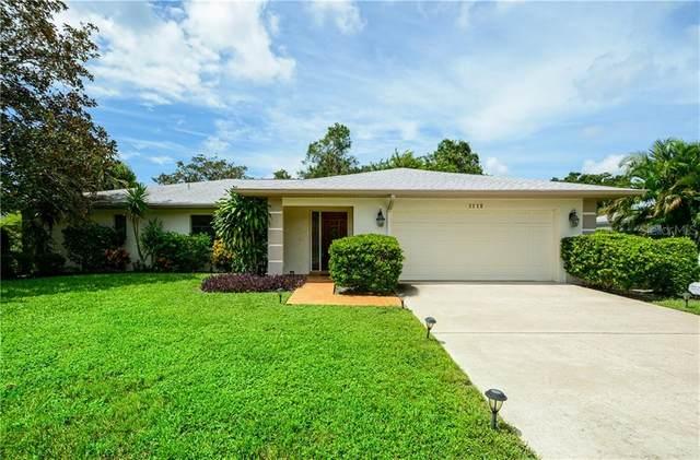 8126 Timber Lake Lane, Sarasota, FL 34243 (MLS #A4478121) :: Homepride Realty Services