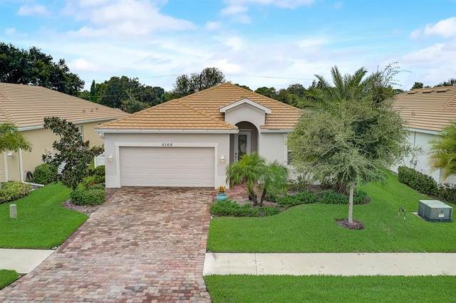 6169 Grand Cypress Boulevard, North Port, FL 34287 (MLS #A4478295) :: Team Pepka