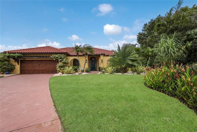 6134 Misty Oaks Drive, Sarasota, FL 34243 (MLS #A4478741) :: The Duncan Duo Team