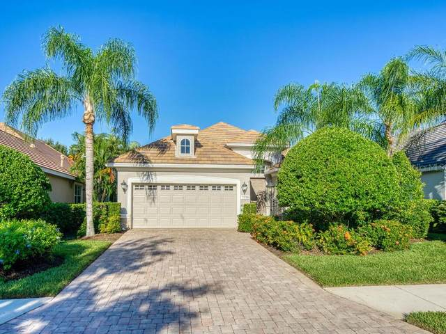 7320 Lake Forest Glen, Lakewood Ranch, FL 34202 (MLS #A4478771) :: McConnell and Associates