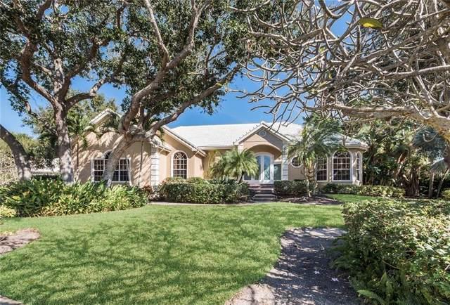 3305 Sabal Cove Circle, Longboat Key, FL 34228 (MLS #A4481230) :: CENTURY 21 OneBlue