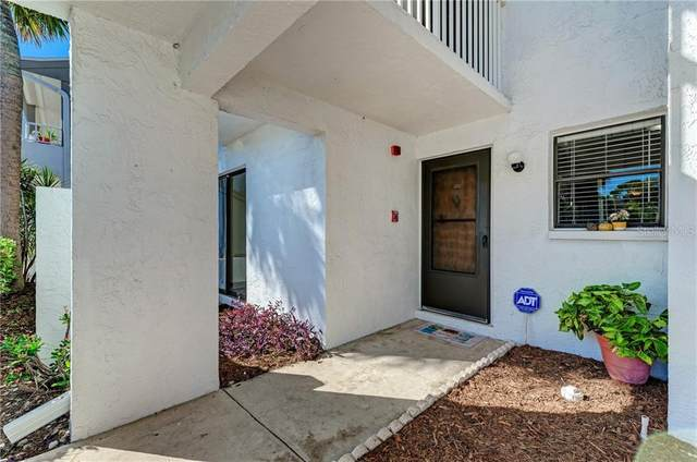 2025 Lakewood Club Drive S 5-E, St Petersburg, FL 33712 (MLS #A4482490) :: Premium Properties Real Estate Services