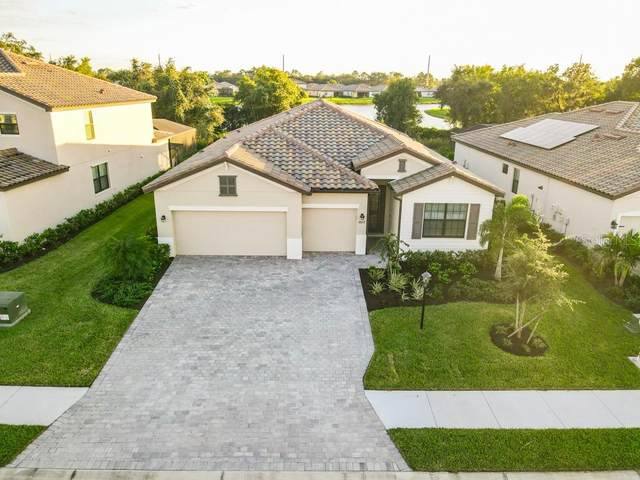 18033 Polo Trail, Bradenton, FL 34211 (MLS #A4484686) :: Dalton Wade Real Estate Group