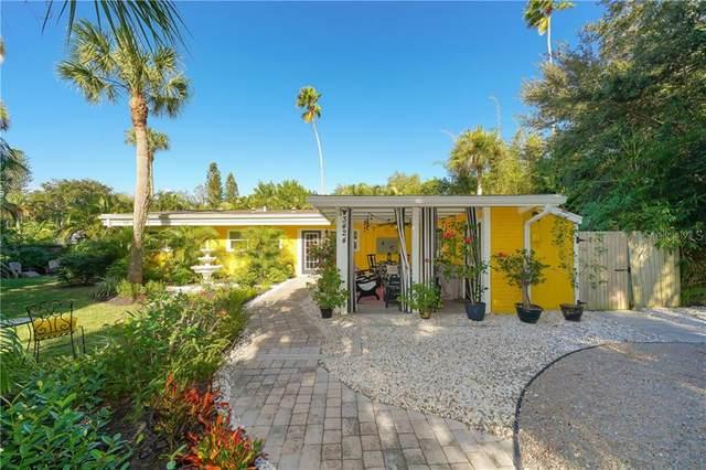 3424 Old Oak Drive, Sarasota, FL 34239 (MLS #A4484722) :: Frankenstein Home Team