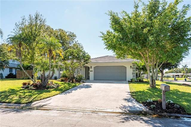 3304 Spring Mill Circle, Sarasota, FL 34239 (MLS #A4484745) :: Griffin Group