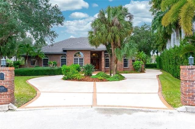 2439 Landings Circle, Bradenton, FL 34209 (MLS #A4485067) :: Griffin Group