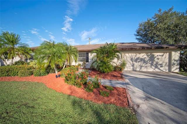 5745 Augusta Circle, Sarasota, FL 34238 (MLS #A4485165) :: The Heidi Schrock Team