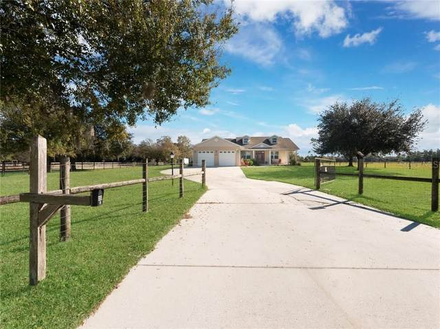 5210 Jim Davis Road, Parrish, FL 34219 (MLS #A4486452) :: Everlane Realty