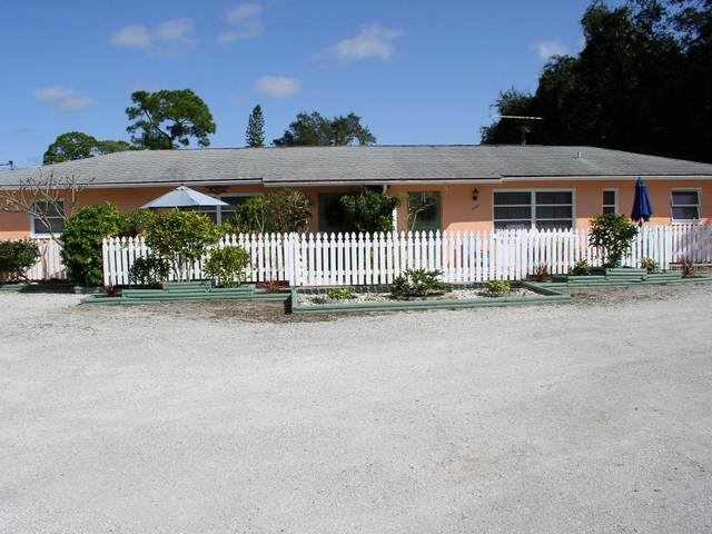 222 Colonia Lane E, Nokomis, FL 34275 (MLS #A4486812) :: Griffin Group