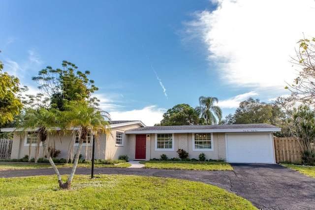 4545 Onaway Ridge Place, Sarasota, FL 34233 (MLS #A4488302) :: Key Classic Realty