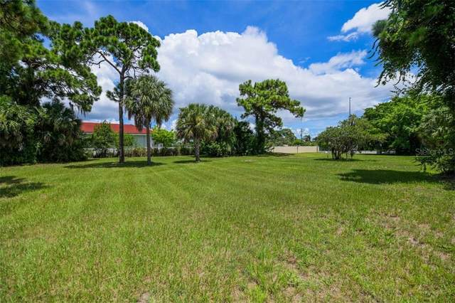 1000 Pine Street, Englewood, FL 34223 (MLS #A4488401) :: Keller Williams Realty Peace River Partners