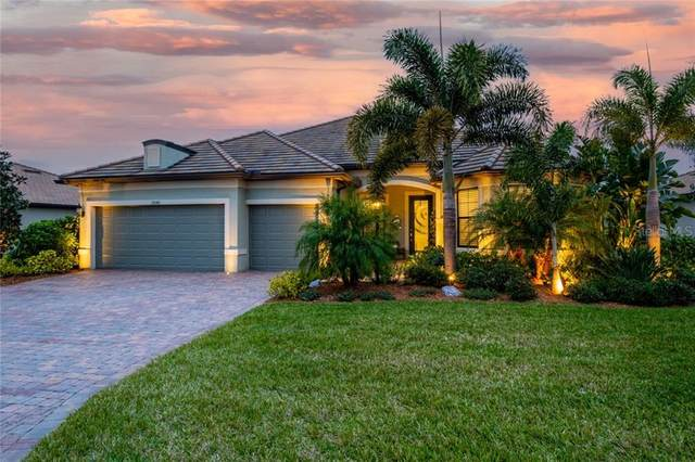 17043 Loudon Place, Bradenton, FL 34202 (MLS #A4488572) :: The Light Team
