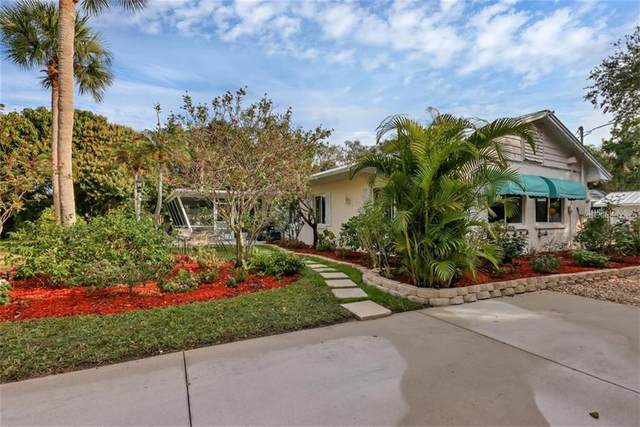 333 Island Circle, Sarasota, FL 34242 (MLS #A4488691) :: The Duncan Duo Team