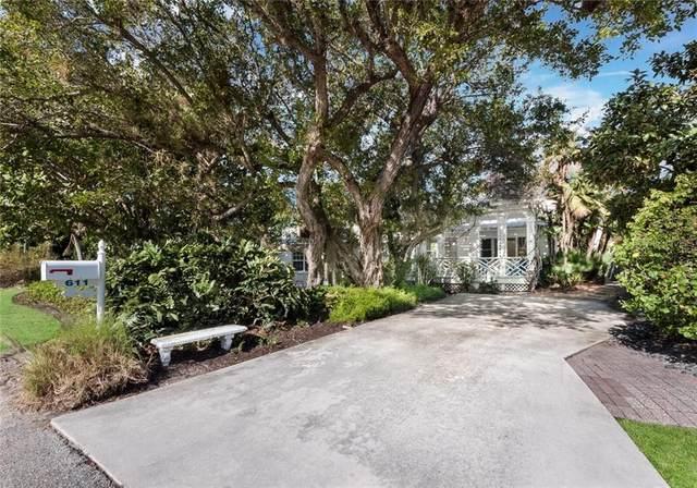611 Hibiscus Way, Longboat Key, FL 34228 (MLS #A4488819) :: Sarasota Home Specialists