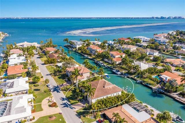 524 Spinnaker Lane, Longboat Key, FL 34228 (MLS #A4488834) :: The Paxton Group
