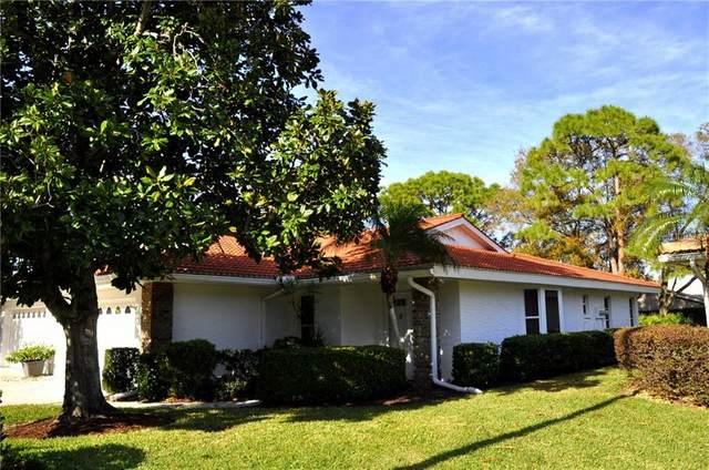 5613 Garden Lakes Drive, Bradenton, FL 34203 (MLS #A4489084) :: Sarasota Home Specialists