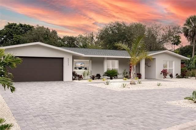 5533 Shadow Lawn Drive, Sarasota, FL 34242 (MLS #A4490091) :: The Duncan Duo Team
