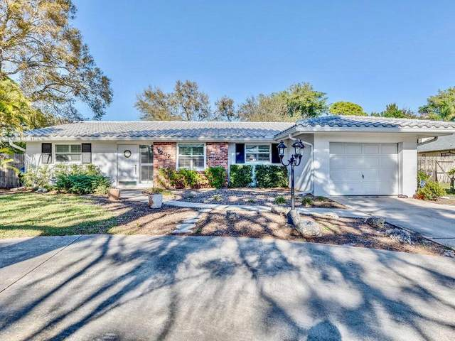 1207 Santiago Drive, Bradenton, FL 34209 (MLS #A4492541) :: Burwell Real Estate