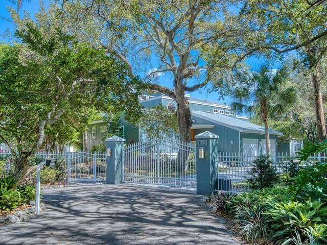 1334 Roberts Bay Lane, Sarasota, FL 34242 (MLS #A4492734) :: Keller Williams on the Water/Sarasota