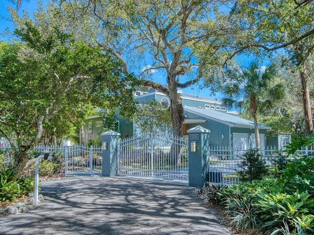 1334 Roberts Bay Lane, Sarasota, FL 34242 (MLS #A4492734) :: The Kardosh Team