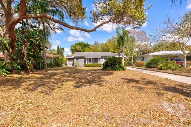 425 Sapphire Drive, Sarasota, FL 34234 (MLS #A4493495) :: The Light Team