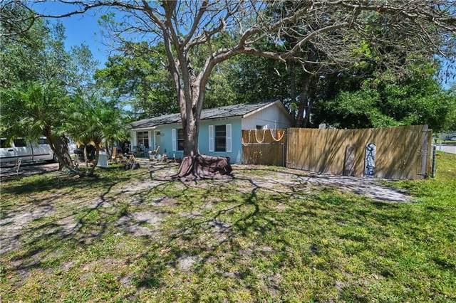 303 64TH Street NE, Bradenton, FL 34208 (MLS #A4496728) :: Zarghami Group