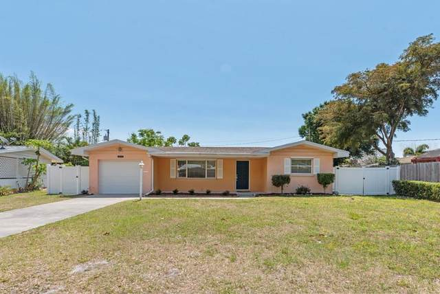 2222 School Circle, Sarasota, FL 34239 (MLS #A4496767) :: Griffin Group