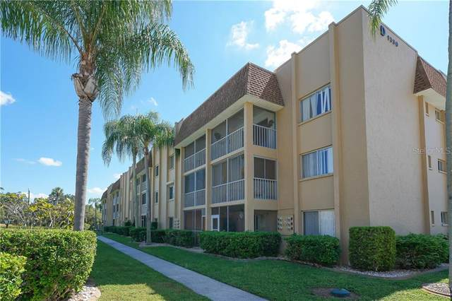 1330 Glen Oaks Drive E 362D, Sarasota, FL 34232 (MLS #A4497178) :: The Duncan Duo Team