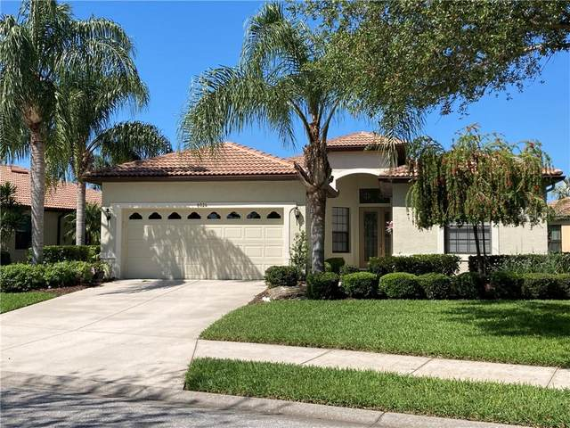 8024 Stirling Falls Circle, Sarasota, FL 34243 (MLS #A4497245) :: Young Real Estate