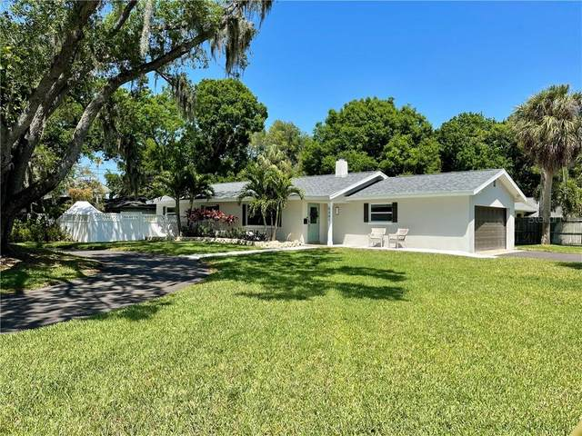 5301 Venetian Boulevard NE, St Petersburg, FL 33703 (MLS #A4497447) :: The Duncan Duo Team