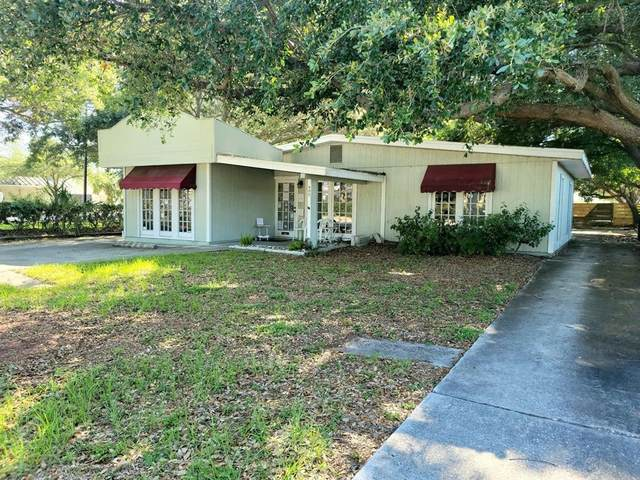 400 59TH Street W, Bradenton, FL 34209 (MLS #A4499217) :: The Paxton Group