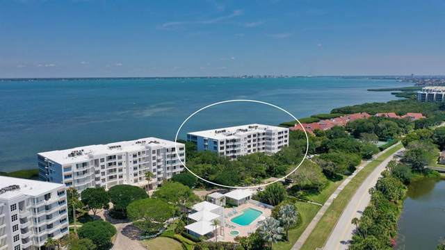 2410 Harbourside Drive #132, Longboat Key, FL 34228 (MLS #A4499436) :: Sarasota Home Specialists
