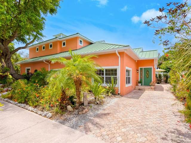 389 Island Circle, Sarasota, FL 34242 (MLS #A4499687) :: Premium Properties Real Estate Services