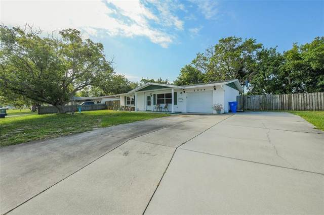 2909 Oxford Drive W, Bradenton, FL 34205 (MLS #A4500447) :: Kelli and Audrey at RE/MAX Tropical Sands