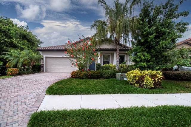 8220 36TH Street E, Sarasota, FL 34243 (MLS #A4502190) :: GO Realty