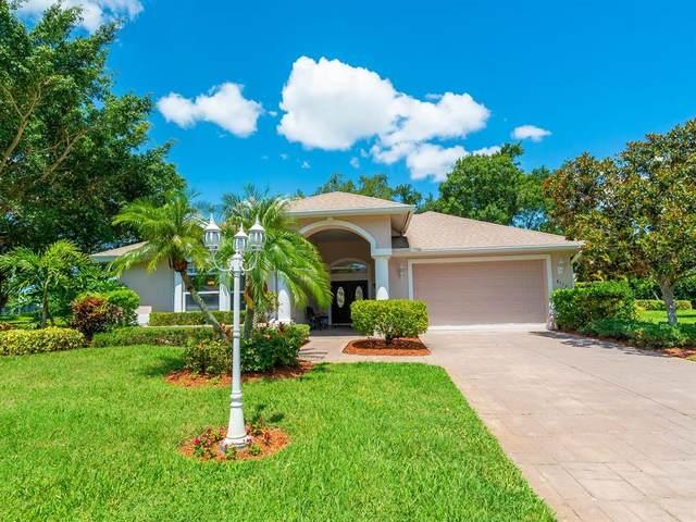 8117 Misty Oaks Boulevard, Sarasota, FL 34243 (MLS #A4503476) :: MavRealty