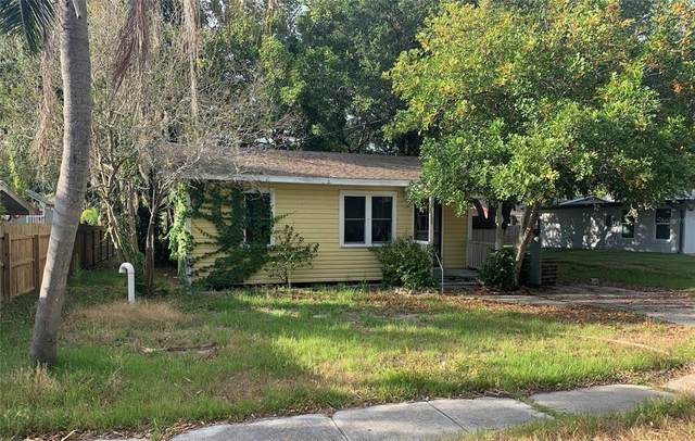 2613 Oakmere Lane, Sarasota, FL 34231 (MLS #A4503695) :: Your Florida House Team