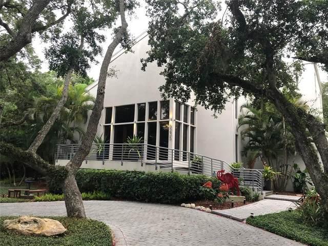 5235 Siesta Cove Drive, Sarasota, FL 34242 (MLS #A4504547) :: The Robertson Real Estate Group