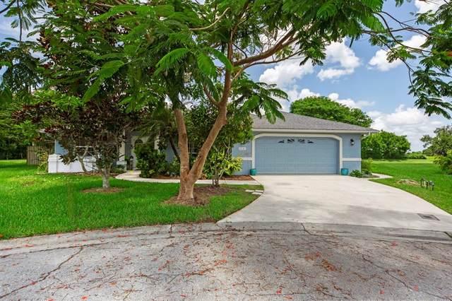2231 Otter Creek Lane, Sarasota, FL 34240 (MLS #A4504665) :: CARE - Calhoun & Associates Real Estate