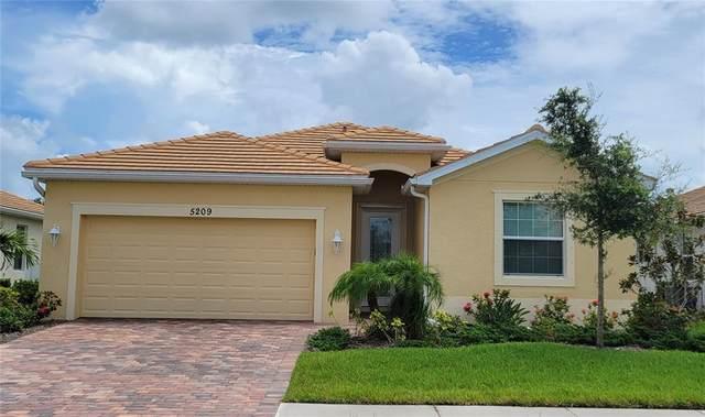 5209 Grand Cypress Boulevard, North Port, FL 34287 (MLS #A4504712) :: Zarghami Group
