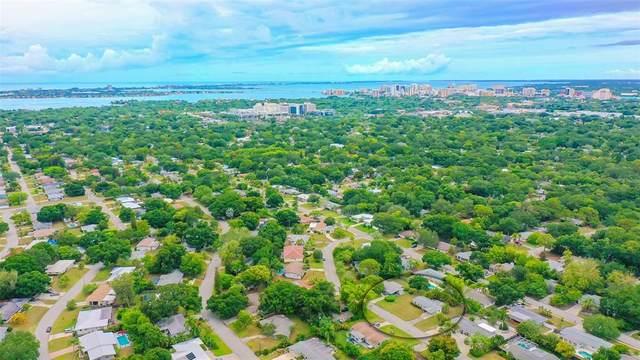 2571 Jefferson Circle, Sarasota, FL 34239 (MLS #A4504807) :: Vacasa Real Estate