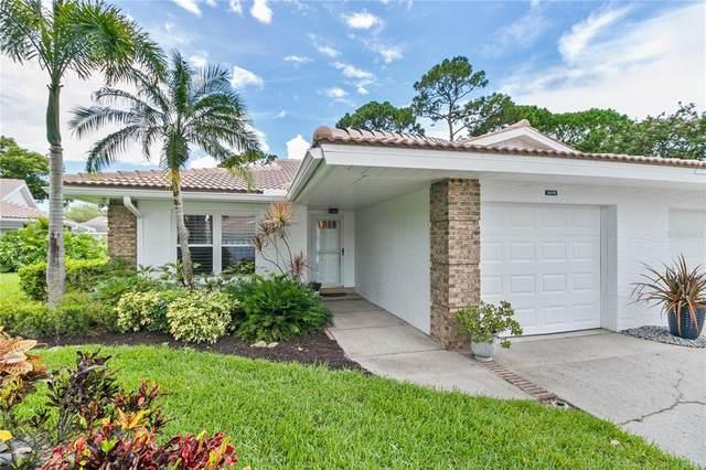 5616 Garden Lakes Drive, Bradenton, FL 34203 (MLS #A4507410) :: Realty Executives