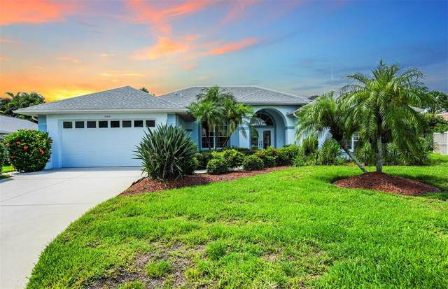 5002 Southern Pine Circle, Venice, FL 34293 (MLS #A4508173) :: Griffin Group