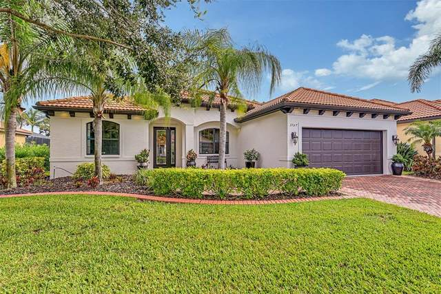 3727 80TH Drive E, Sarasota, FL 34243 (MLS #A4508472) :: Carmena and Associates Realty Group