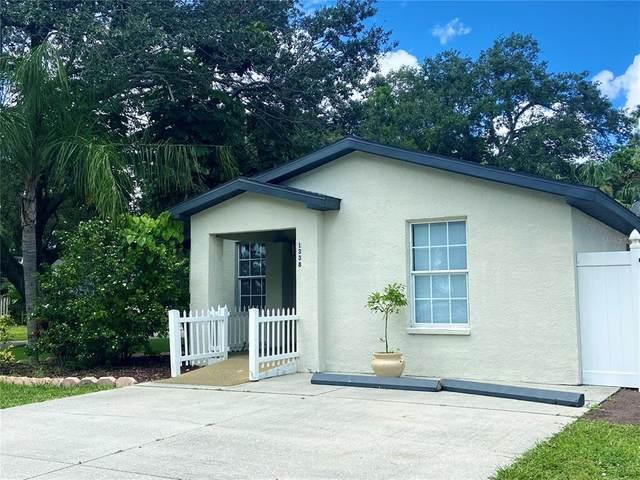 1338 S Brink Avenue, Sarasota, FL 34239 (MLS #A4509883) :: The Curlings Group