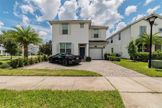 4700 Sleepy Hollow Drive, Kissimmee, FL 34746 (MLS #A4509931) :: The Curlings Group