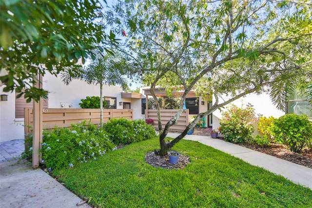 189 Pineneedle Drive #189, Bradenton, FL 34210 (MLS #A4511416) :: The Lersch Group