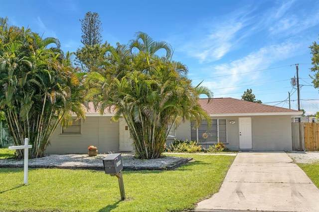 3130 Lake Ridge Drive, Sarasota, FL 34237 (MLS #A4511467) :: Everlane Realty